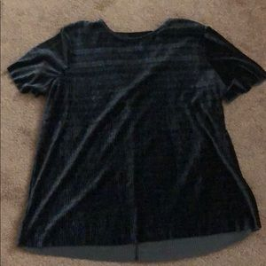 Crushed velvet shirt with cut out back